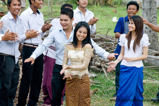 Khmer dancing on New Year